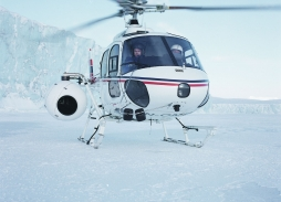 Bond - Die Another Day Spitzbergen (28)